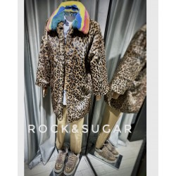 Abrigo rainbow animal print